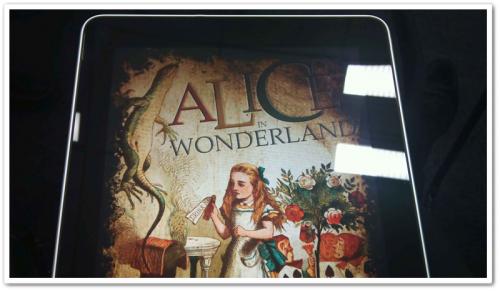 話題のAlice in Wonderlandアプリもあった